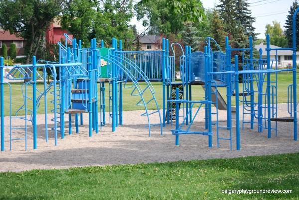 Tuxedo Park Community Centre Playground