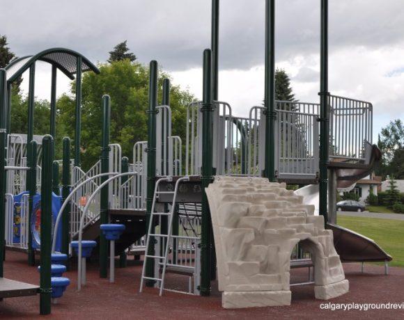 Britannia–Crescent Park Playground