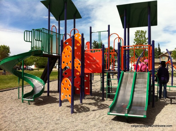 Coach Hill/Patterson Heights Community Centre Playground