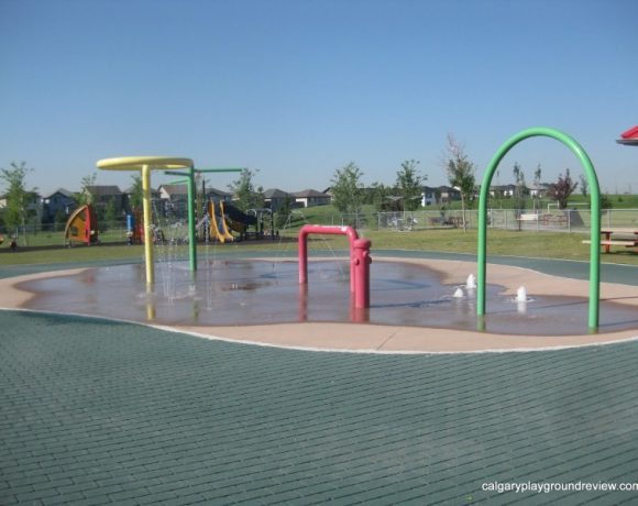 Valleyview Park Spray Park and Playgrounds