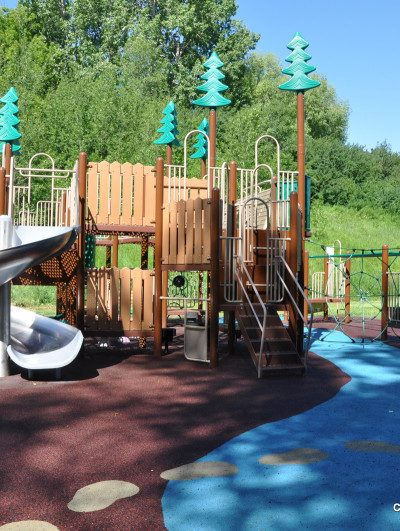 Cliff Bungalow Community Centre Playground