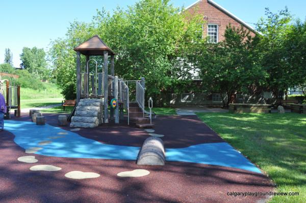 Cliff Bungalow Playground