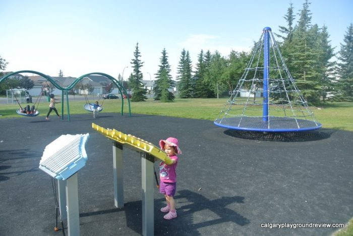 Applestone Park Playground - Applewood - calgaryplaygroundreview.com