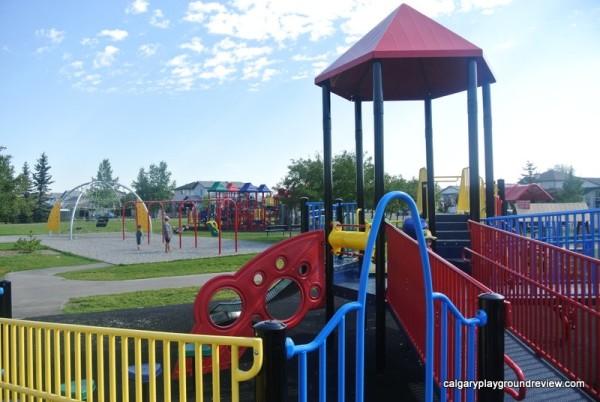 Applestone Park Playground - Applewood - calgaryplaygroundreview.com