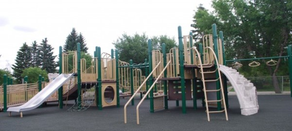 st andrews heights playground