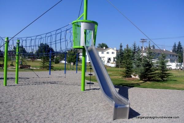 Col Walker School Playground - calgaryplaygroundreview.com
