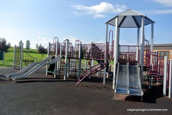 St. Jerome School Playground - calgaryplaygroundreview.com