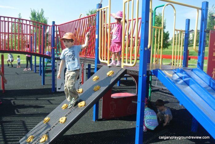 Panorama Hills School Playground - calgaryplaygroundreview.com
