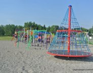 Colingwood School Playground - calgaryplaygroundreview.com