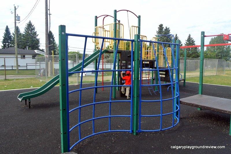 Belfast School Playground - calgaryplaygroundreview.com