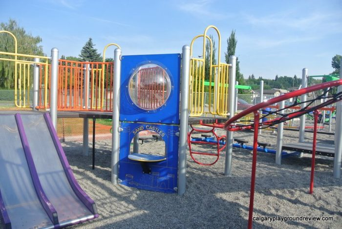 Colingwood School Playground - calgaryplaygroundreview.com