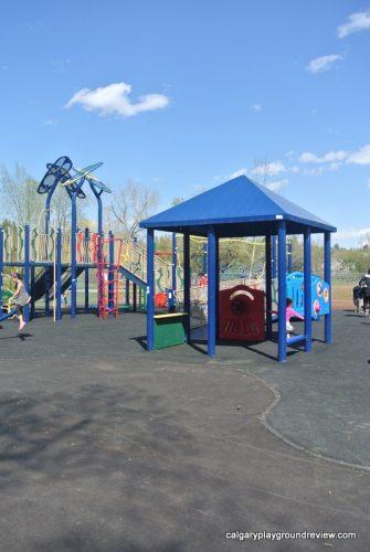 Riley Park Playground - calgaryplaygroundreview.com