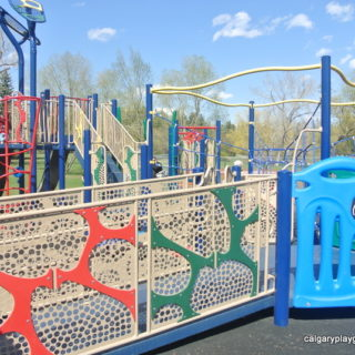 Riley Park Playground - calgaryplaygroundreview.com
