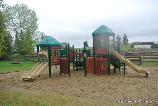 Heritage Ranch Playground - Red Deer - calgaryplaygroundreview.com