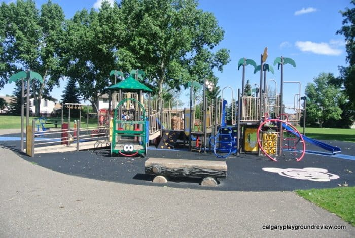 Medicine Hat Playgrounds, Parks and Spray Parks - Ross Glen Towne Centre Playground - Medicine Hat