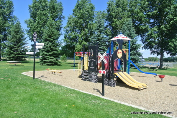 Medicine Hat Playgrounds, Parks and Spray Parks - Tourism Medicine Hat Train Playground - Medicine Hat