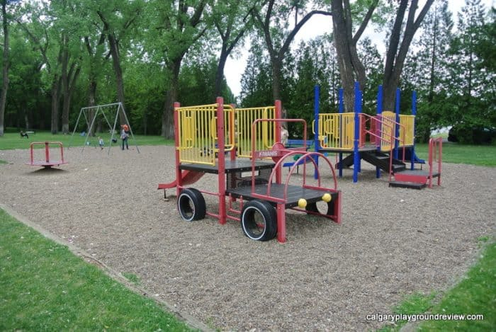 Medicine Hat Playgrounds, Parks and Spray Parks - Central Park Medicine Hat