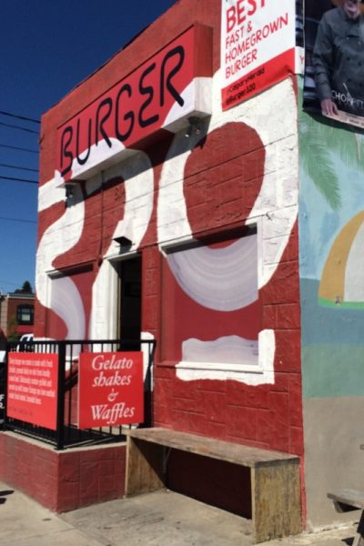 Burger 320 – Eating out with kids in Calgary