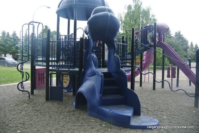 vEmerson Drive Playground