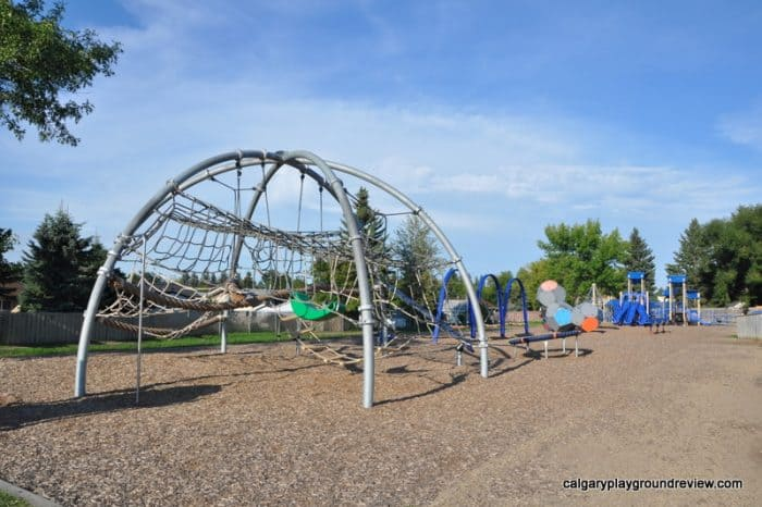 Broxton Park School Playground - Spruce Grove - Awesome Edmonton Playgrounds - North of the River