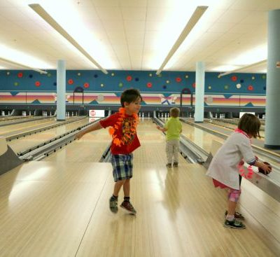 Public Bowling in Calgary – Family Friendly Options