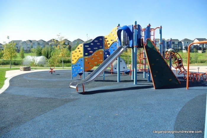 Auburn Bay Ave Pond Playground