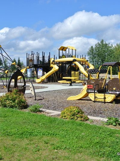 Marnevic Memorial Park Heavy Duty Construction Equipment Playground – Fox Creek, AB