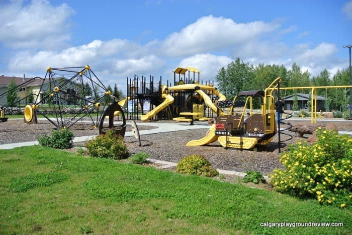 Marnevic Memorial Park Heavy Duty Construction Equipment Playground – Fox Creek, AB
