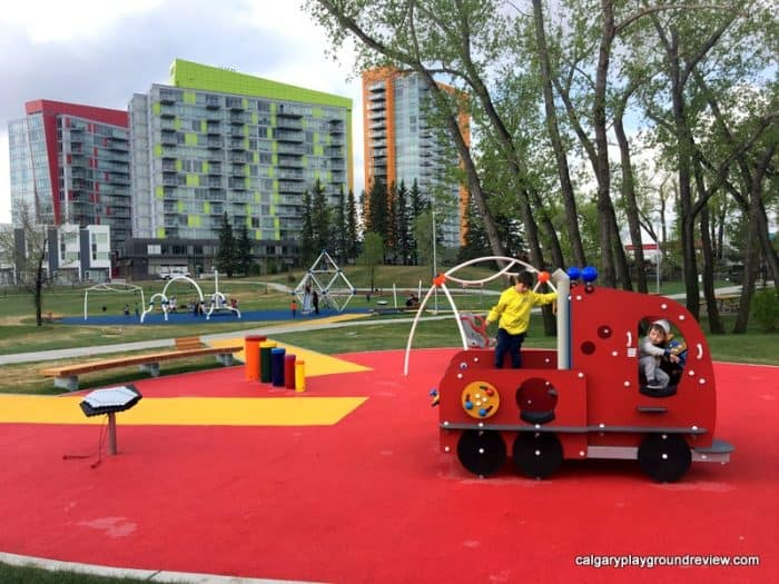 Blakiston Park Playground - Calgary's best playgrounds 2019