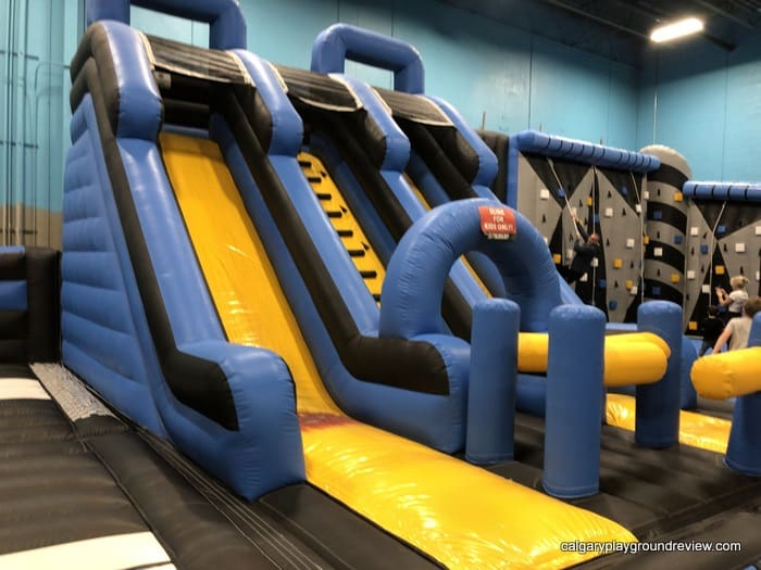 Slide and climbing area in the inflatable area